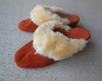 Vintage SUEDE and SHEARLING SLIPPERS mules size 6