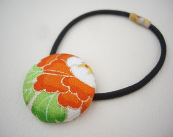 Hair elastic of Japanese kimono fabric, Covered button ponytail holder, Orange peony, Flower hair accessory for her, Japanese gift idea