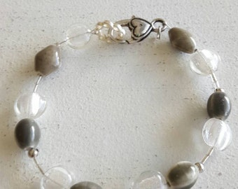 Bracelet green and frosted clear beads