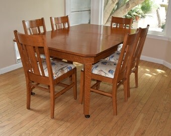 """Antique Stickley dining table 54x45x30 (2) 10"""" leaves. (6) chairs"""