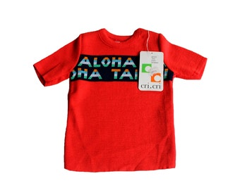 VINTAGE 70's / enfant / pull manches courtes / tricot acrylique rouge / Aloha Tahiti / stock ancien neuf / taille 1 an