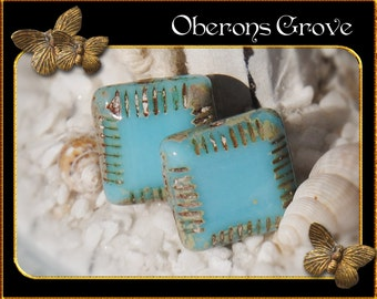 2 Square Beads 14mm light blue