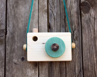 Green Wooden Camera - Pretend play - Waldorf toy - Toddler toy - Toddler gift  - Handmade - Toy camera - Toddler gift