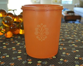 Vintage Tupperware Canister With Lid. Tangerine Orange with Scroll Design, 809-5. Made in USA. Retro Cool. Mod Kitchen Storage.