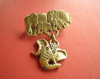 Elephant brooch, Golden, vintage 80