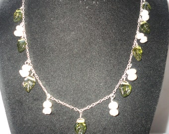 Lovely Fresh Water Pearl Glass Necklace******.