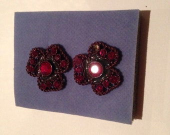 vintage ruby red lucite earings