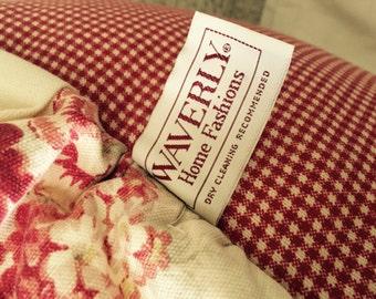 SALE// Vintage// Waverly// Cabbage ROSES// Gingham// Set of 2 Pillows// COTTAGE Home// Gorgeous!