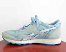 Classic Reebok Sneakers Running Shoes Light Blue Suede/Nylon Mesh Size 8.5 Women's