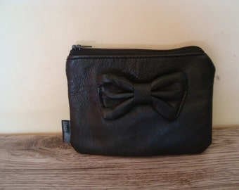 leather case with bow/ recycled black leather