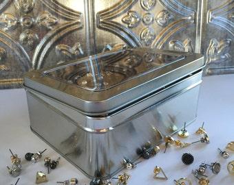 Tin Jewelry Box - Earring Organizer