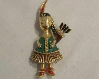 Adorable 1960s novelty Mamselle brooch little Native American girl w/ arrows