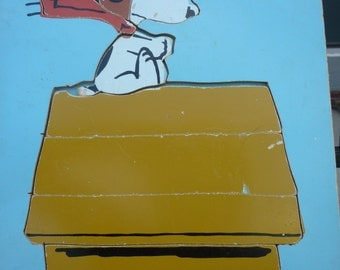 Snoopy Chasing the Red Barron! Playskool, Eight Piece Wood Puzzle,  1965 Snoopy Pilot on Dog House. Ages 2 - 5