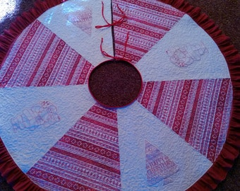 Happy Christmas quilted tree skirt