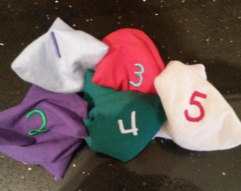 Set of 5 numbered bean bags