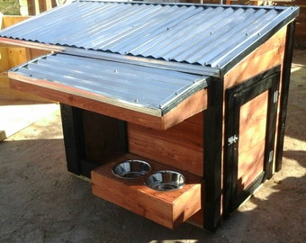 43x31x38  Insulated doghouse