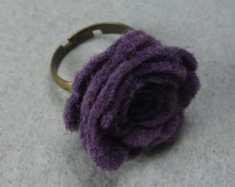 Purple Flower Ring - Purple Rose Ring -Felt Flower -Felt Ring -Adjustable Ring -Artificial Flower -Fake Flower -Flower Jewelry -Felt Jewelry