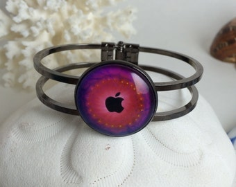 Apple bracelet or necklace