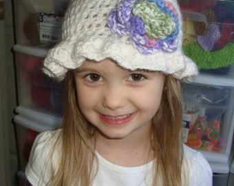 White bonnet crochet hat with cute colorful flower