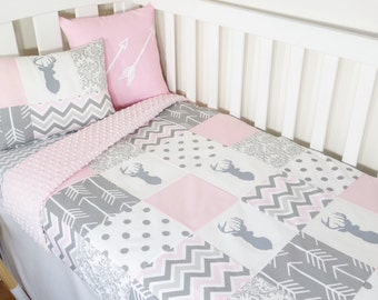 Patchwork quilt nursery set - Pink and grey deer, geometric deer