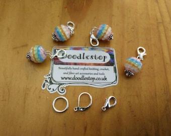 Colourful bubble stripe stitch markers
