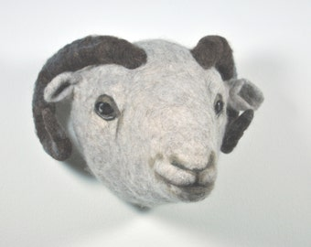 needlefelted animalhead - faux taxidermy - Sheephead, sheep