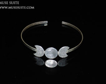 TRIPLE  MOON Bracelet or ring, all made with sterling silver. Triple divinity made by Muse Suite.