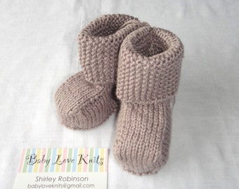 Hand knitted Baby Ugg Boots, baby boy Ugg boots, Hand Knit Wool Ugg Boots, Hand knit baby boots, baby booties, wool boots, newborn ugg boots