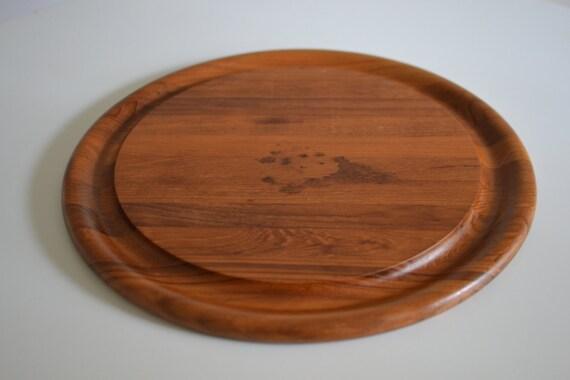 dansk large vintage scandinavian round teak wood cutting board. Black Bedroom Furniture Sets. Home Design Ideas