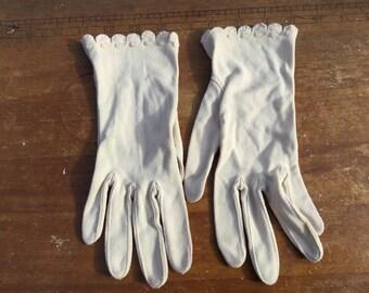 Pair of vintage gloves