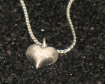 Vintage Sterling Silver Small Heart Pendant Necklace 18 inch