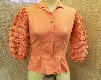 Beautiful vintage 1950's Billy-Dee of California peach pink flamenco style ruffled sleeve button up blouse shirt top size medium 8 10
