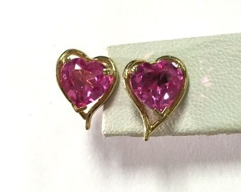 Cute vintage Pink Heart Sapphires Set in 14k Yellow Gold