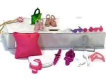 BARBIE Beauty Accessories Lot // barbie fashion accessories // barbie locker // barbie shoes