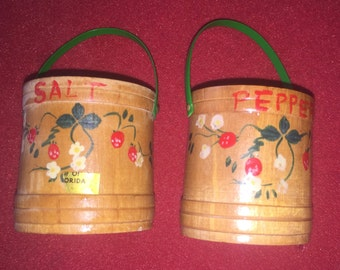Wood crock vintage painted salt and pepper shakers