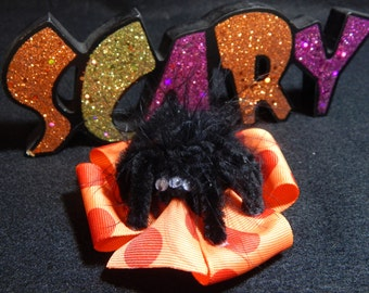 Spider Halloween Hair Bow, Halloween Hair Bow, Spider Hair Bow, Spiders, Orange and Black Hair Bow, Hairbow with Spider, Pinwheel Hair Bow