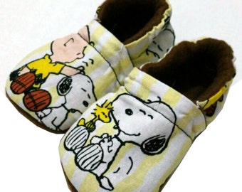 Peanuts Charlie Brown Snoopy Christmas Handmade Baby Girl's Boy's Shoes Slippers Booties  0-24 M 3T - 5T Baby Shower Gift Brown