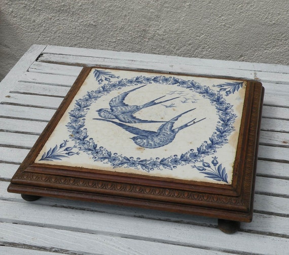 French antique bird tile trivet, blue and white tile trivet, transferware, rustic kitchen, shabby chic, country home, French farmhouse,