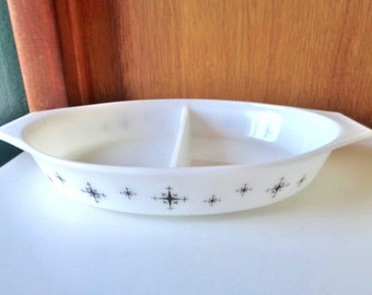 Pyrex Compass Promotional Divided Casserole ~ No Lid 1-1/2 Quarts - Excellent Mint Condition - Free Shipping