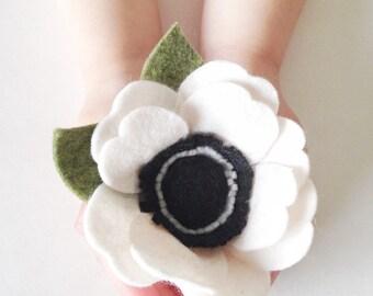 Anemone Brooch - Felt Flower Brooch - Felt Flower Pin - Anemone Pin - Felt Brooch - Scarf Brooch - Flower Brooch - Wedding Brooch