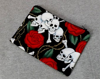 Skull and Roses with thorns Make Up Zipper Pouch