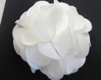 White Flower Boutonniere With 2 Inch Stick Lapel Pin
