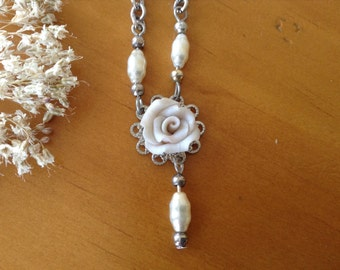 Bridal white necklace with freshwater pears