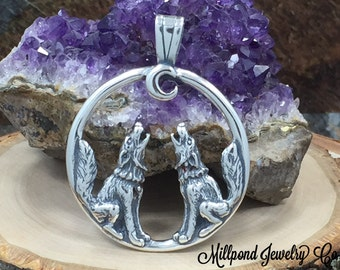 Wolf Charm, Wolf Pendant, Howling Wolves Charm, Howling Wolves Pendant, Sterling Silver Charm, PS3163