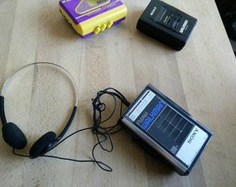 1981 Sony Walkman Wm F31 with ORIGINAL HEADPHONES and Fm radio made in japan!
