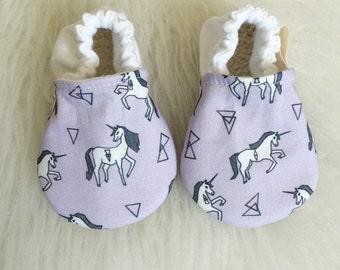 Unicorn baby shoes, unicorn baby girl, unicorn shoes, unicorn booties, unicorn baby girl, Baby girl shoes, baby girl booties, purple shoes