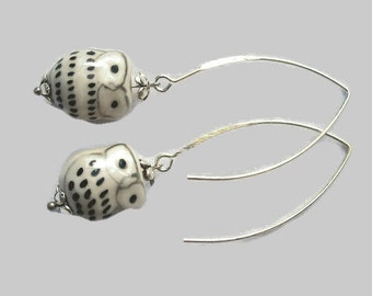 Earrings White Pearl owls ceramic brackets is silver-plated hand
