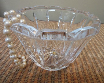 Crystal Bowl Scalloped Edge Heavy Lead Lady Anne Pattern Vintage B