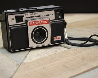 Vintage Magimatic Magicube Camera X50 by Imperial