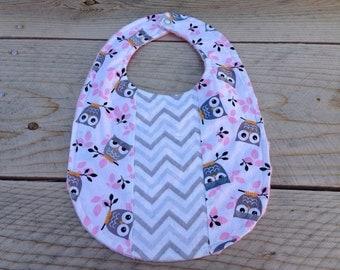 Chevron owl baby bib - patchwork baby bib - baby girl bib - baby shower gift